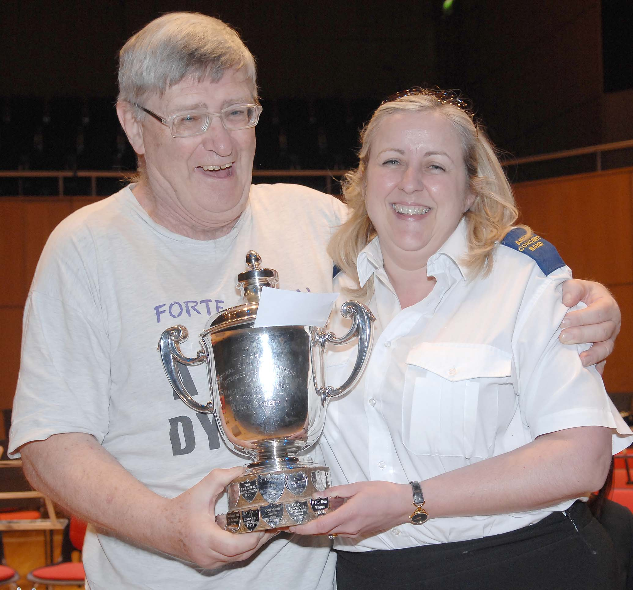 jenny_mckeever_receiving_trophy
