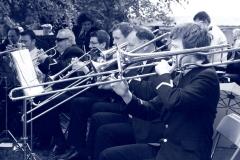 trombones_2_bw